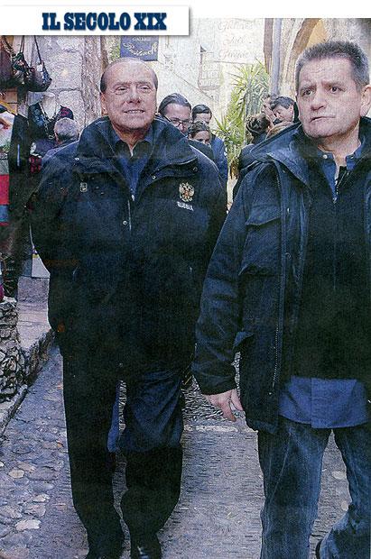 Berlusconi senza cerotti foto